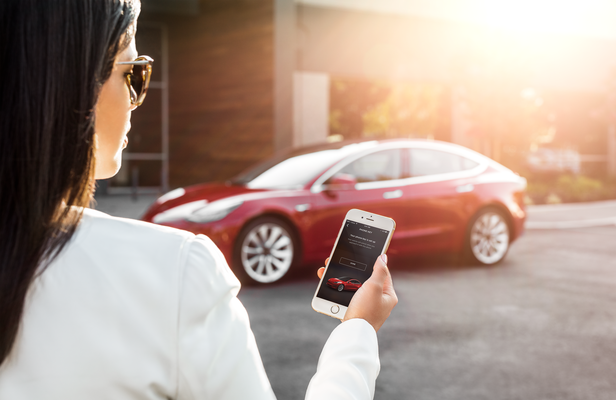 elon-musk-says-'embarrassingly-late'-two-factor-is-coming-to-tesla-app