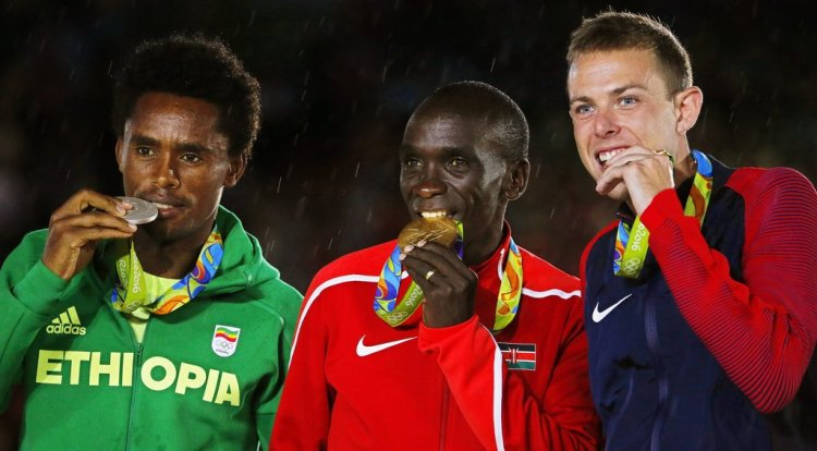 Eliud Kipchoge Wins the Gold Medal